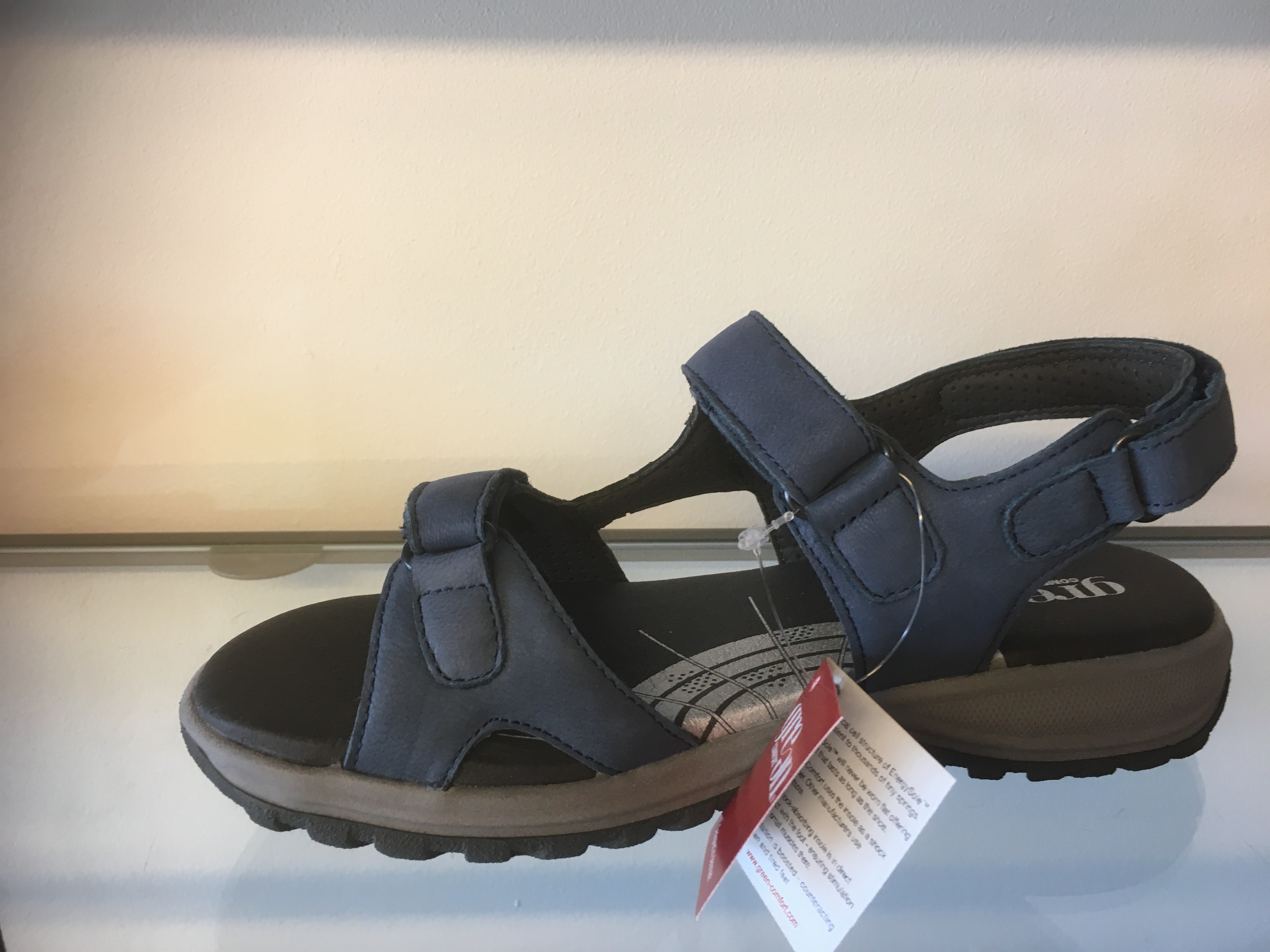 Green Comfort camino sandal med kun 2 remme over fødderne.